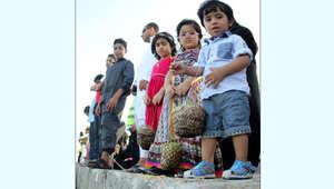 """""""دوخلة"""" الأطفال.. تقليد فوق ضفاف البحر بأول أيام عيد الأضحى"""
