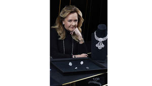لماذا يعشق مصممو المجوهرات الفاخرة الألماس الخام؟