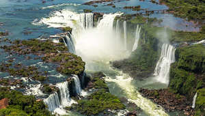 شلالات إغوازو، الأرجنتين والبرازيل