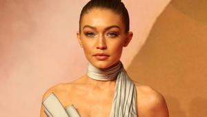 جيجي حديد تفوز بجائزة عارضة الأزياء العالمية