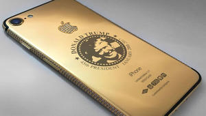 متجر في الشارقة يبيع هواتف مطلية بالذهب.. مزيّنة بوجه ترامب!
