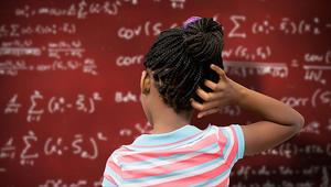 بأي سن تفقد الفتيات اهتمامهن بالعلوم والرياضيات؟