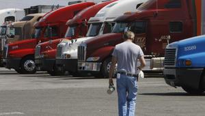 """""""أعين على الطرق"""".. بناء """"جيش"""" من سائقي الشاحنات لمكافحة الاتجار بالبشر"""