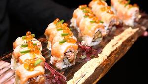هل تعلم عدد السعرات الحرارية في قطعة سوشي واحدة؟