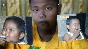 """إدمان الأطفال على التدخين..هذا وباء إندونيسيا """"القاتل"""""""