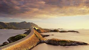 طريق جميل وسيارة وتأمل.. هذه هي أجمل الطرق حول العالم
