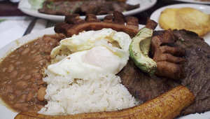 """أرز جوز الهند والكمأة بالشوكولاته والدجاج بالفانيلا..أطعمة كولومبية """"تسيل اللعاب"""""""