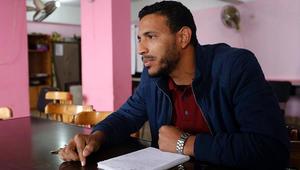 أطباء في مصر يقومون بدور