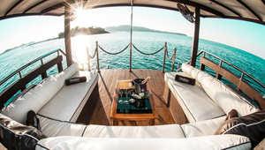 رحلات القارب