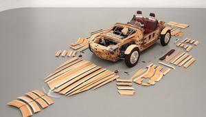 سيارات من الخشب وعجلات من الثلج.. حين يتنافس مصنعو السيارات في الجنون