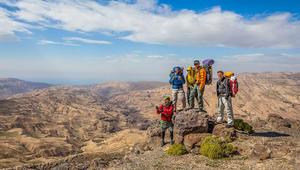هل تعرف كم يوماً يستغرق عبور الأردن سيراً على الأقدام؟