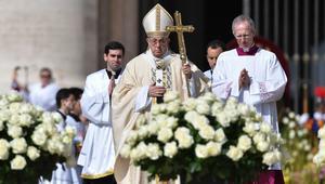 """البابا يستذكر """"المعاناة الطويلة"""" للشعب السوري في قداس عيد الفصح"""