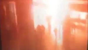 بالفيديو: لحظة تفجير أحد الانتحاريين نفسه في مطار أتاتورك