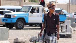 """الحوثي يتحدث عن مؤامرة """"صهيو أمريكية بيد عربية"""".. وتقارير عن قتلى وجرحى بقصف قواته لتعز"""