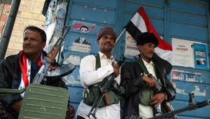 """المتحدث باسم زعيم """"الحوثيين"""" يهاجم هادي: تنتقد تدخل إيران وترحب بالسعودية؟"""