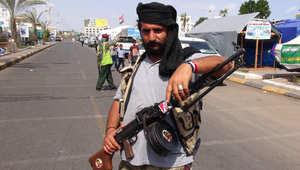 صحفي يمني: الضربات الجوية دمرت مخازن الحوثيين ولم توقف تقدمهم والمعارك بعدن كر وفر