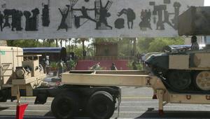 """بعد تصريحه بـ""""التقدم السريع وانهيار داعش"""".. بالصور: العبادي خلال استعراض """"التحرير والنصر للقوات المسلحة العراقية"""""""
