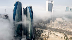 """ضباب """"غير عادي"""" يكدّس الطائرات في أبوظبي"""