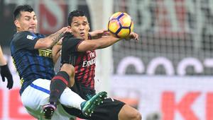 """تعادل قاتل للإنتر أمام ميلان في """"ديربي"""" أعاد متعة الكرة الإيطالية"""