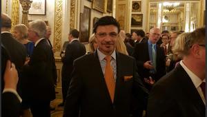 سفير الإمارات بلندن: الجزيرة مطلوب منها الكثير لتجاوب عليه