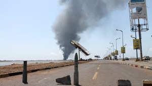 """أعنف يوم من القصف على عدن.. ومشاورات لـ""""هدنة إنسانية"""" بمناطق محددة"""