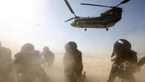 """أفغانستان.. مقتل 8 جنود في غارة أمريكية """"بالخطأ"""""""