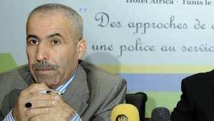 """وزير تونسي يستقيل ويكتب:"""" أخجل من نفسي بعدما حوّلت ثقة المواطنين إلى راتب وسيارة مرسديس"""""""