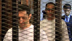 مصر.. إحالة بديع للجنايات وتأجيل محاكمة نجلي مبارك