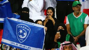 """لقب """"الزعيم"""" يشعل خلافا بين جماهير الأهلي والهلال على تويتر"""