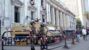"""مصر.. الحبس 15 شهراً لـ3 متهمين بينهم صحفي ومحامية بقضية """"اقتحام قسم شرطة الرمل"""""""