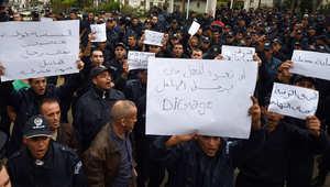 احتجاجات غير مسبوقة لقوات مكافحة الشغب تصنع الحدث في الجزائر