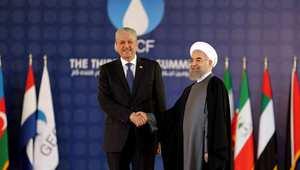 إيران والجزائر توقعان على مذكرات تفاهم.. وتفتحان الباب أمام شراكة في مجالي النفط ومكافحة الإرهاب