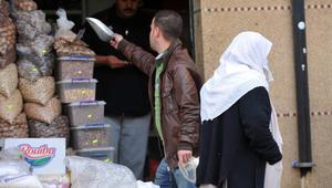 بينها الخبز والماء وحاجات البناء.. الجزائر تعلّق استيراد مواد غذائية وصناعية