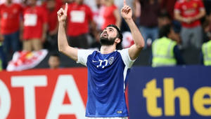 عمر خريبين يقود الهلال لاكتساح بيروزي الإيراني والاقتراب من نهائي دوري أبطال آسيا