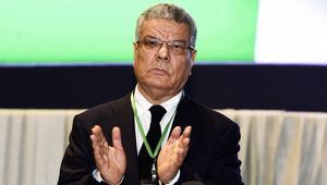 عمار سعداني يشغل الرأي العام الجزائري بعد انسحابه من زعامة الحزب الحاكم