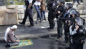 """مواجهات دامية بين الفلسطينيين والقوات الإسرائيلية بالضفة ومسيرات لـ""""نصرة الأقصى"""" في غزة"""