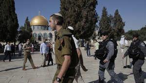"""مقتل فلسطيني متهم بمحاولة بمهاجمة ناشط إسرائيلي وعباس يعتبر إغلاق المسجد الأقصى """"إعلان حرب"""""""