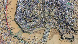 بيوم عرفة وعشية عيد الأضحى.. شاهد الحجاج على جبل عرفات