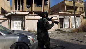 مقتل طيار ليبي إثر سقوط طائرته ببنغازي.. واشتباكات الجيش تتواصل مع داعش