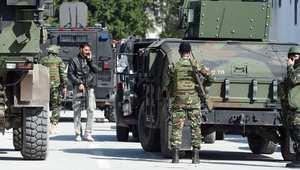تهديد بتفجير سيارات مفخخة وأحزمة ناسفة يُغلق عدة شوارع في العاصمة التونسية