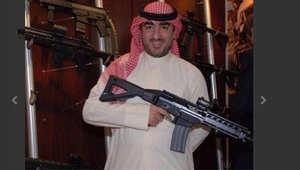 """الكويت: التحقيق مع شقيق نائب شيعي بعد صور له مع أسلحة متطورة وكتابة """"تهديدات"""""""