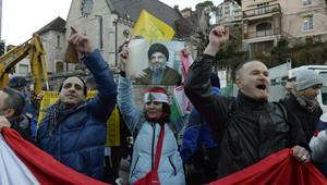 مظاهرون مؤيديون للرئيس السوري بشار الأسد