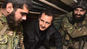 """الأسد يفاجئ جنوده على """"خط النار"""" وداعش يولي خليجياً على """"دير الزور"""""""
