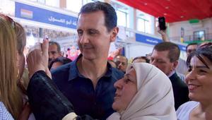 الرئاسة السورية تنشر فيديو لبشار الأسد بين زوار معرض