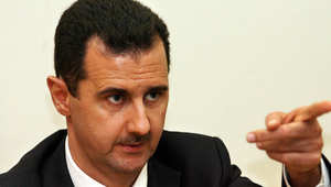 تضارب في شرح الأسباب والخلفيات: ماذا يفعل ابن عم بشار الأسد في القاهرة؟