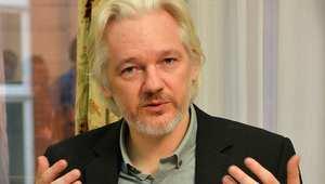 """صورة أرشيفية لمؤسس موقع """"ويكيليكس"""" جوليان أسانج"""
