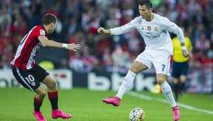 فيفا يعاقب ريال وأتليتيكو مدريد بالمنع من التعاقد مع لاعبين جدد لعام كامل