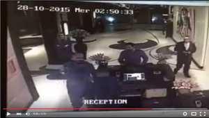 فيديو يُظهر نجم الفنون القتالية بدر هاري يصفع موظفًا في فندق بالمغرب