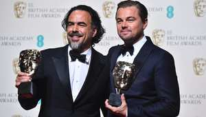 ليوناردو ديكابريو والمخرج أليخاندرو إيناريتو يحملان جوائز البافتا