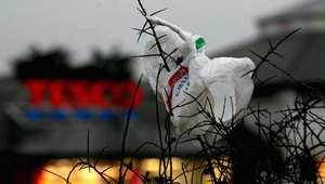 يسير المغرب في طريق منع صناعة واستخدام الأكياس البلاستيكية،